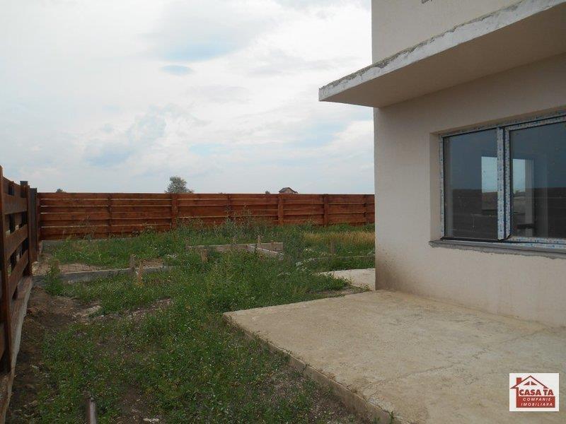 Corp vila duplex P+M,110 mp, la cheie, teren 300 mp