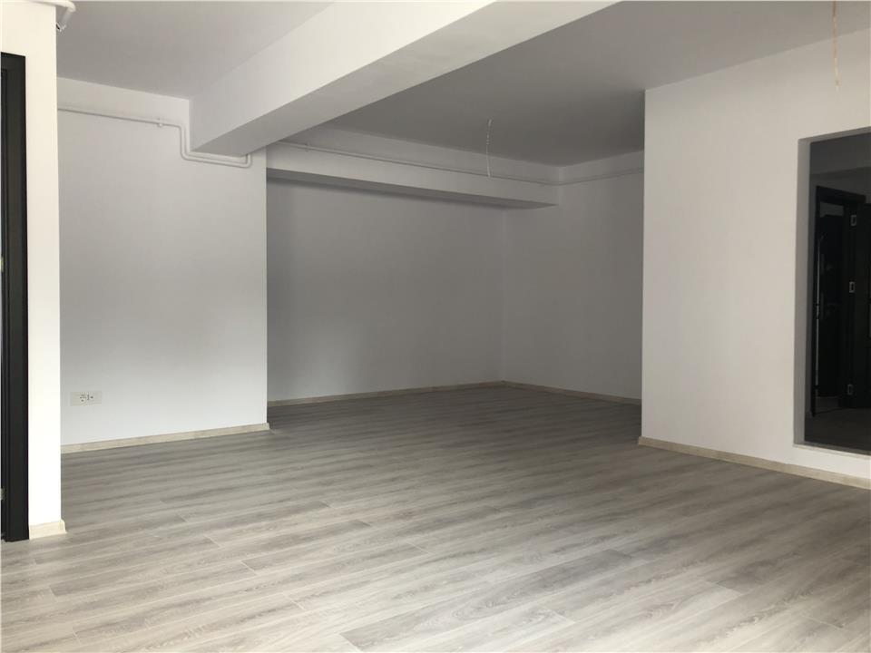 3 camere decomandat 78 mp Copou