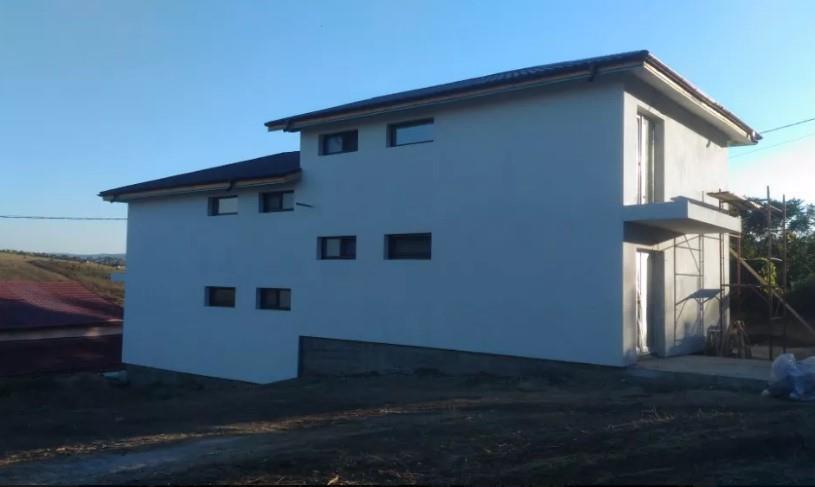 De vanzare, duplex, zona Bucium, Bellaria