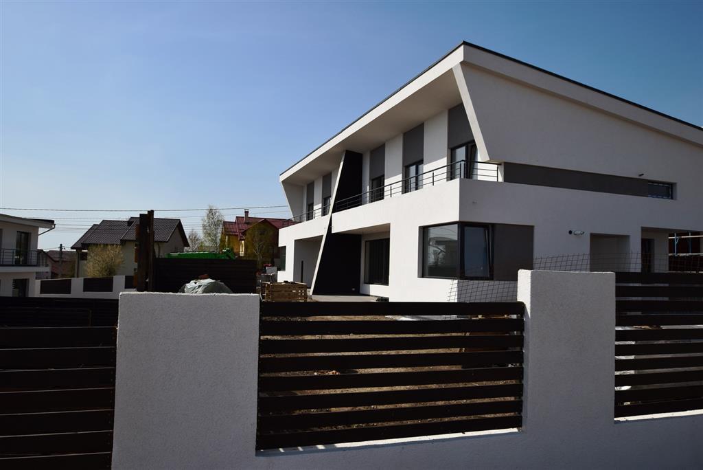 De vanzare casa/vila, 120 mp., curte 200mp, zona Pacurari-Rediu