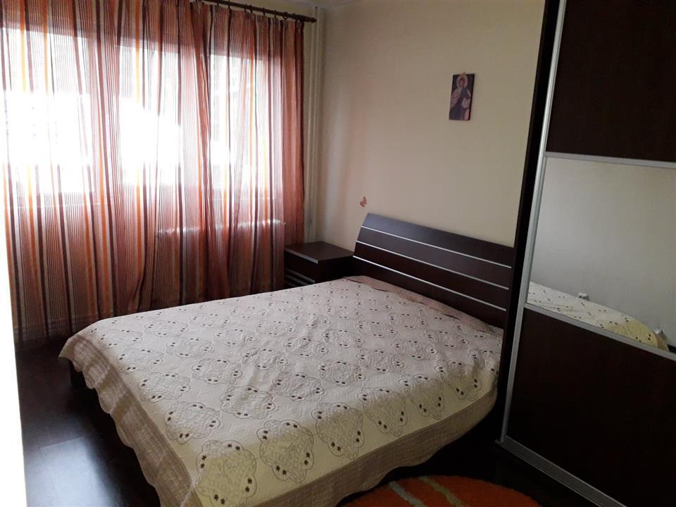 Apartament 4 camere de vanzare Tatarasi