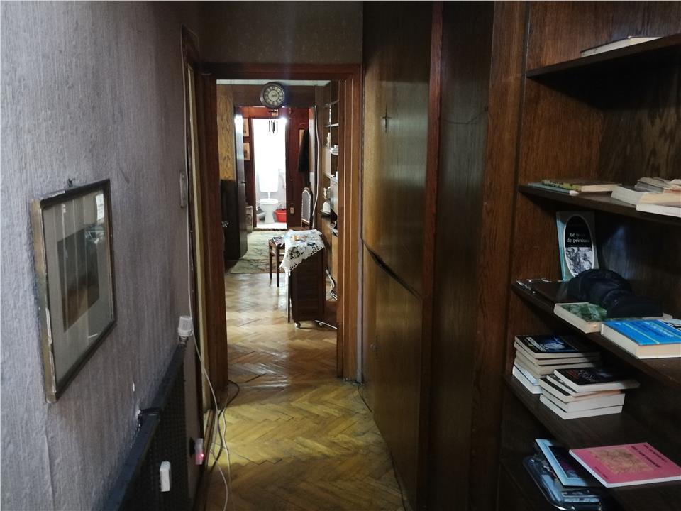 3 camere Centru etaj intermediar 96mp