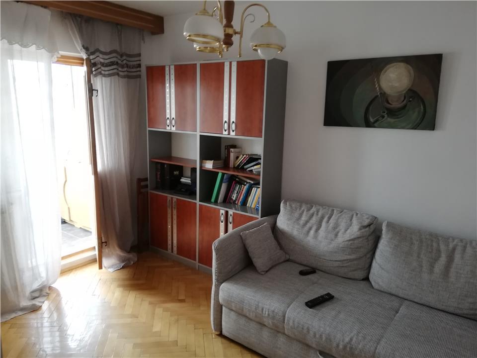 2 camere, zona Garii, etaj intermediar, mobilat