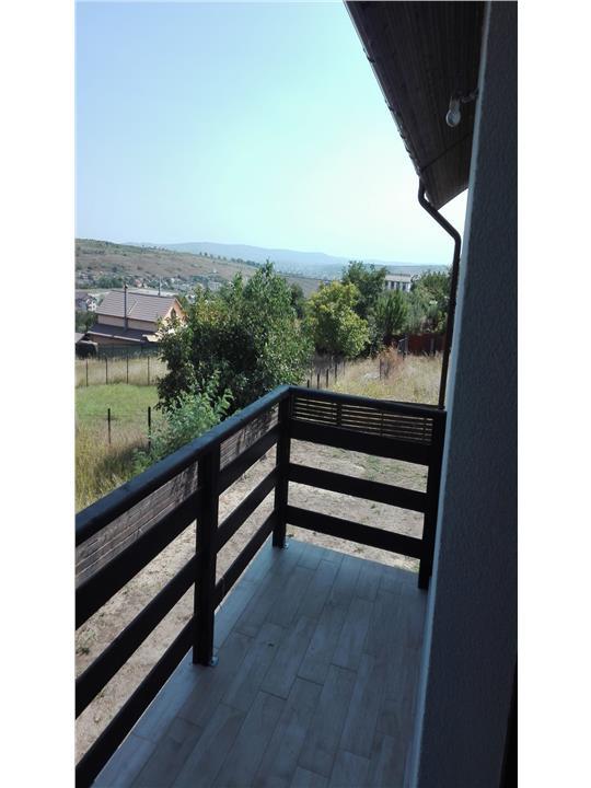 Ocazie, vila deosebita, Valea Lupului, zona lac Rediu, 125 mp. S.U., curte 610 mp.