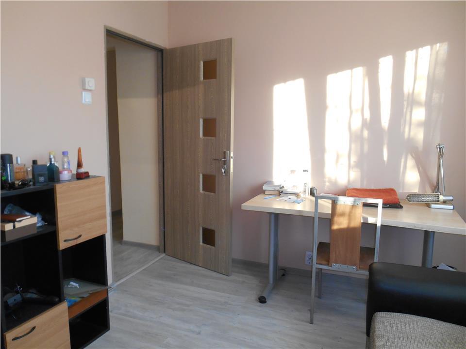 Apartament 4 cam, 2 bai,la cheie, P.Piatra