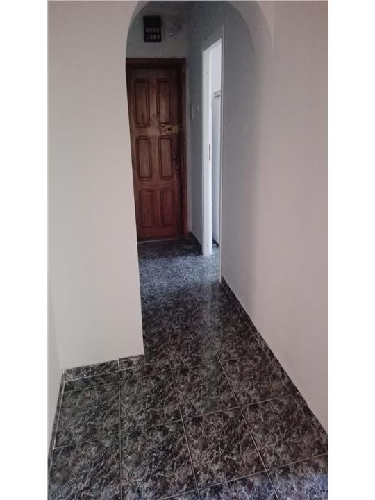Apartament de 4 camere, Nicolina, etaj intermediar