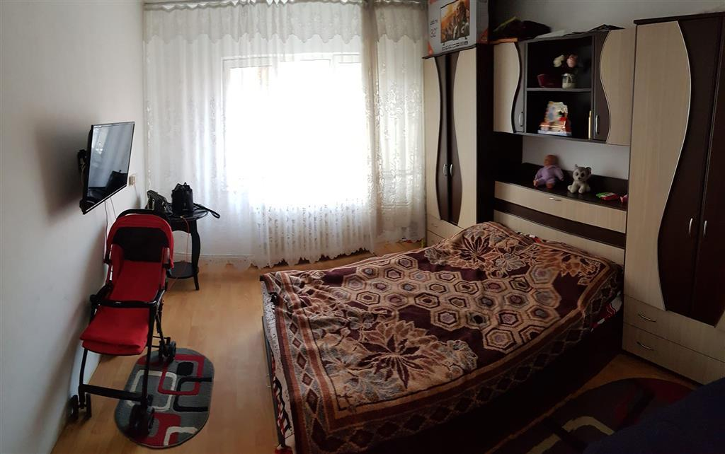 Apartament 1 camera de vanzare Podu Ros