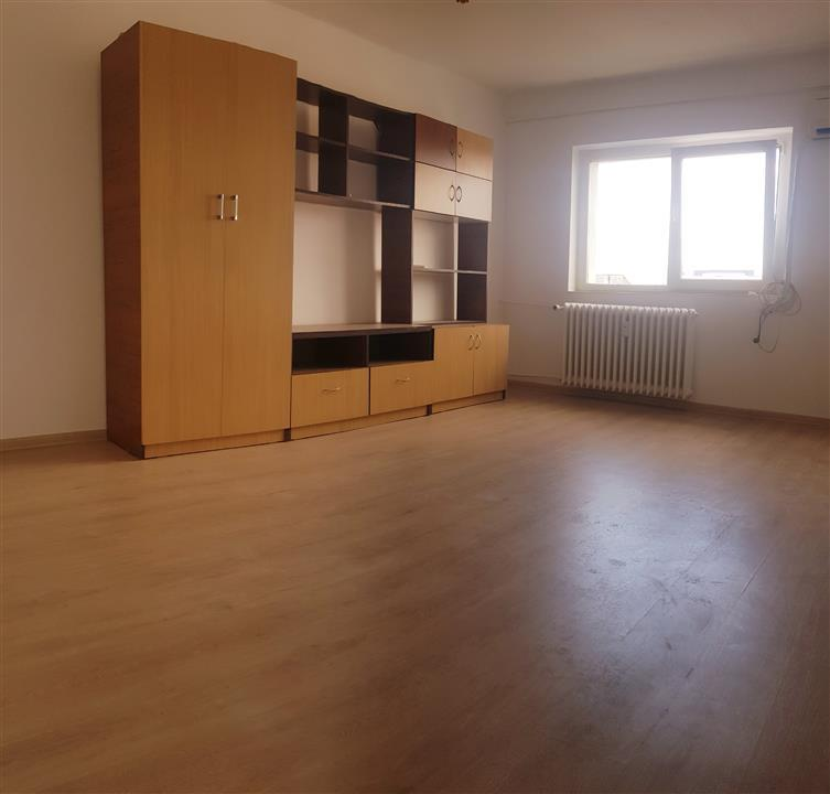 Apartament 1 camera de vanzare Nicolina