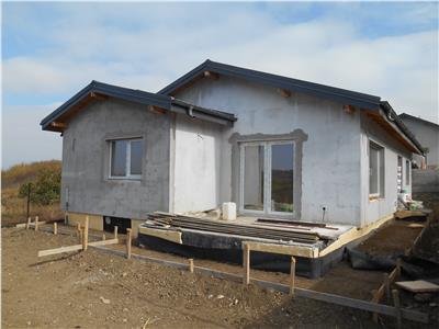 Casa noua,Breazu,parter,100 mp,4 cam, la cheie