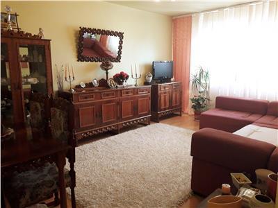 Atentie !!! Apartament 3 camere, decomandat, Cug, 64 mp.