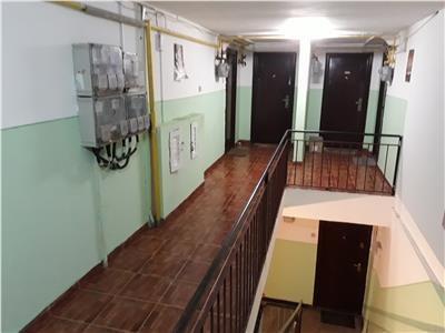 Spatios, 2 camere, mansarda, zona Nicolina, CUG