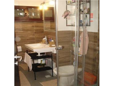 Apartament 3 camere de vanzare Pod Ros