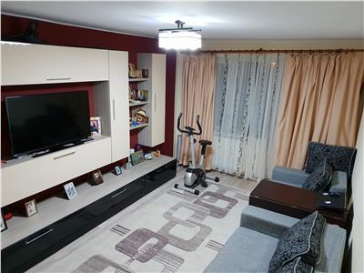 Apartament 3 camere de vanzare Alexandru cel Bun