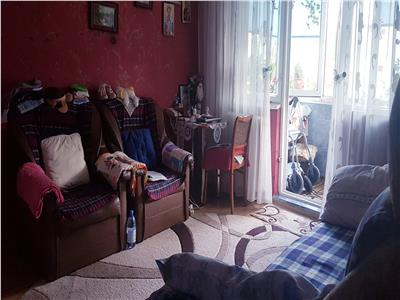 Apartament 4 camere de vanzare Alexandru cel bun